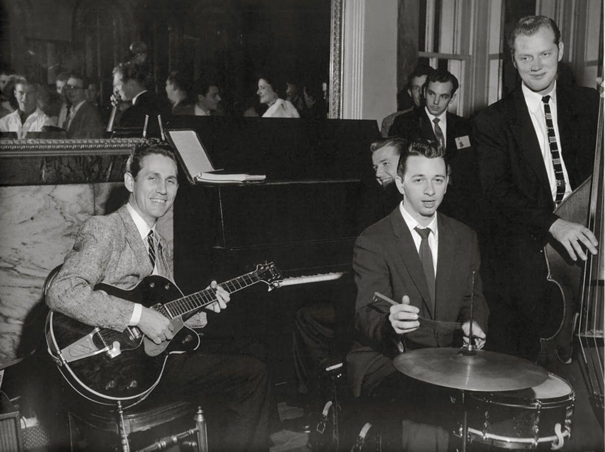Chet Atkins Buddy Harman Floyd Cramer Bob Moore