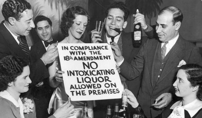 Drinking in a speakeasy during prohibition